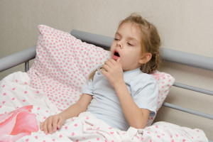 Przewlekły kaszel u dziecka – gdzie szukać przyczyny?