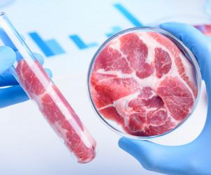 Czerwone mięso, przetworzona żywność i napoje gazowane zwiększają ryzyko raka jelita grubego!
